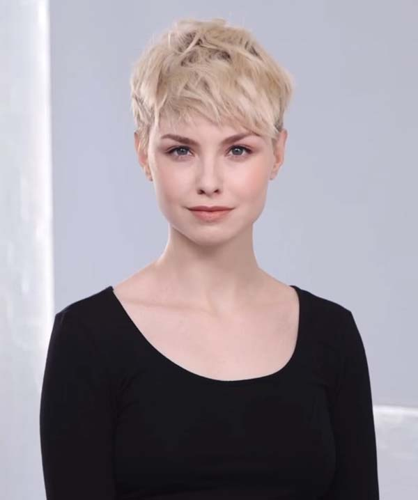 Short Textured Hairstyles with Bangs 2020