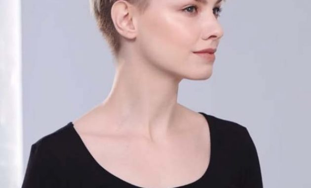 Short Textured Hairstyles with Bangs for Fine Hair