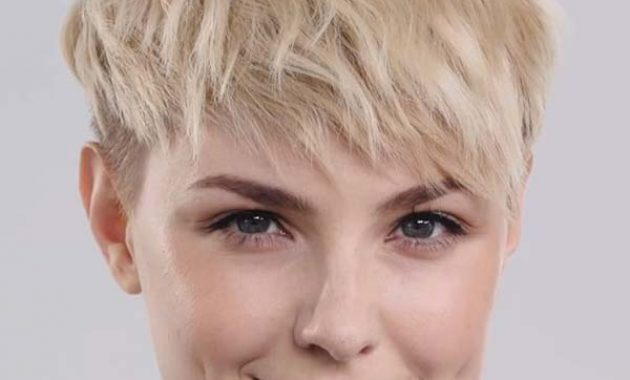 Short Textured Hairstyles with Bangs for Round Faces
