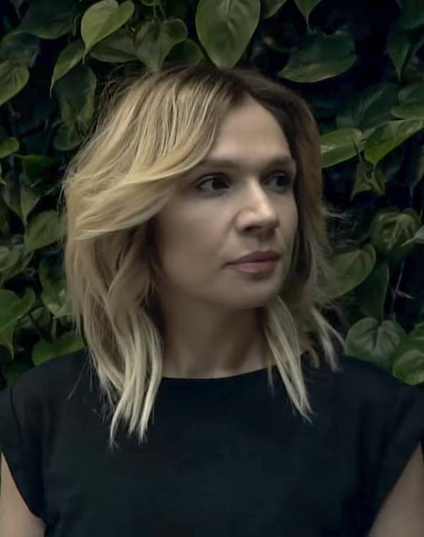 Modern Medium Length Hairstyles With Layers