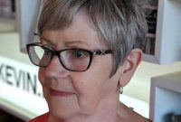 Short Pixie Hairstyles for Women Over 50 with Glasses